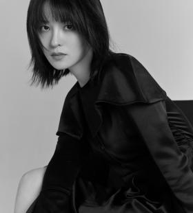 王佳宇黑白质感写真图片