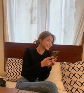 韩式美女小姐姐初秋穿搭写真图片