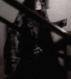 情绪低落的暗黑丧系微博女生头像图片