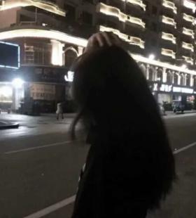有点伤感的高冷女生背影头像图片