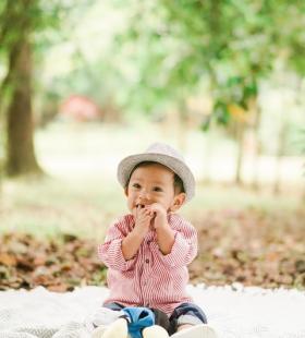 可爱小娃娃高清手机壁纸图片