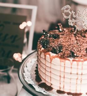 精美生日蛋糕好看超清电脑壁纸桌面图片大全