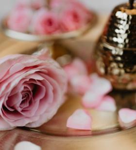 唯美玫瑰摆盘精选桌面高清壁纸图片