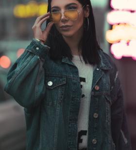 性感霸气的欧美美女广告模特手机壁纸图片