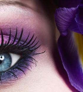 蓝色眼瞳近距离超美个性电脑桌面壁纸图片