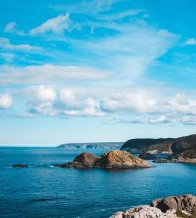 超美蓝天白云海边风景手机壁纸图片
