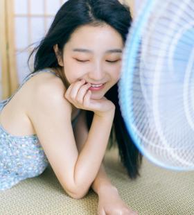 性感夏日风格少女小清新私房写真壁纸图片