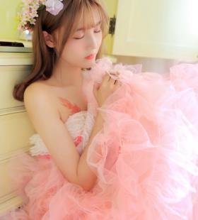 超美粉色公主裙美女高清私房唯美写真壁纸