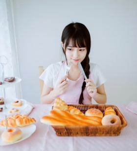 可爱面包少女清纯造型写真图片大全