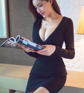 性感巨乳成熟美女少妇波涛汹涌诱人图片写真