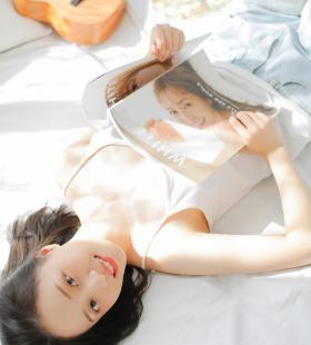 甜美少女午后阳光唯美气质写真壁纸图片