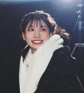 甜美笑容精致五官高清唯美女生头像