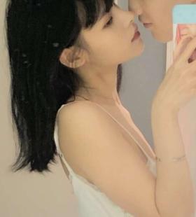 超美真人情侣自拍微信高清头像