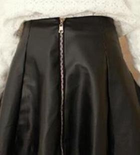 秋冬半身裙要怎么搭配?半身裙穿搭技展现温柔气质