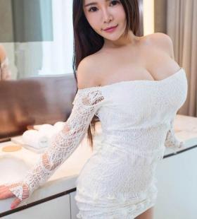 性感美女巨乳翘臀妩媚诱人人体写真图片