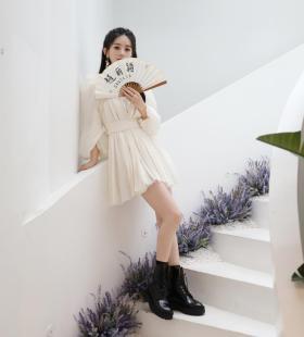 赵丽颖白纱裙甜美少女感写真图片
